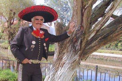 """El """"Charro de Huentitán"""" confesó que en 2012 suspendió su """"Gira del Adiós"""" porque le detectaron cáncer de hígado cuando se encontraba en Houston. (Foto: Instagram)"""