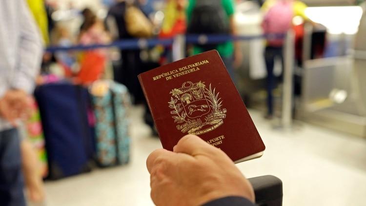 Resultado de imagen para pasaporte venezolano