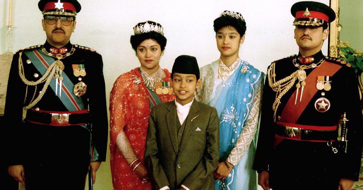 La tragedia de la monarquía de Nepal: Dippy, el príncipe borracho y  despechado que masacró al rey y la reina, se disparó y fue coronado en coma  - Infobae