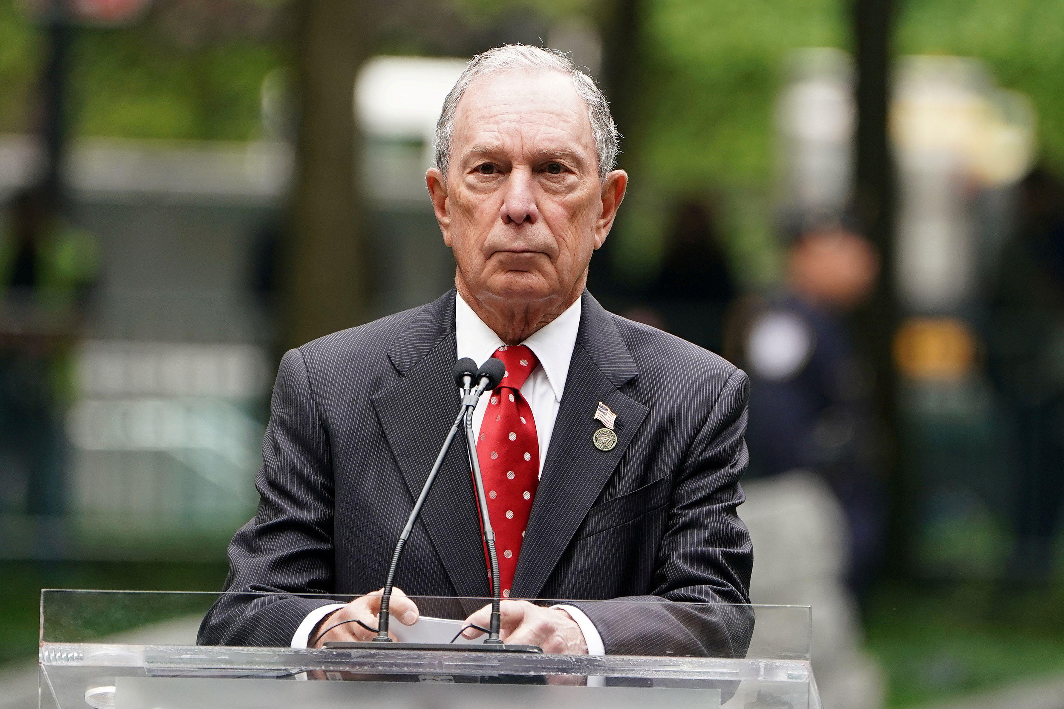 El ex alcalde de Nueva York Michael Bloomberg habla en Manhattan, el 30 de mayo de 2019 (REUTERS/Carlo Allegri/File Photo)