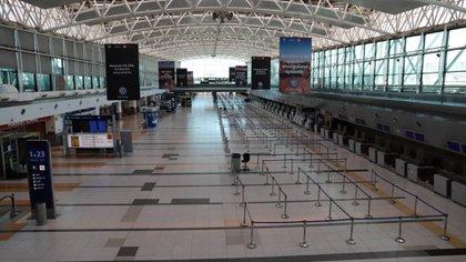 El aeropuerto de Ezeiza, vacío: por ahora no hay fecha concreta para el regreso de la actividad