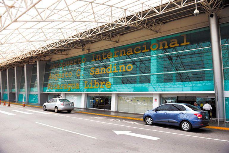 El Aeropuerto Augusto César Sandino de Managua se convirtió en una inesperada plataforma para los exiliados cubanos que buscan seguir camino a Estados Unidos