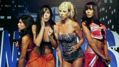 Natacha Durán compartiendo temporada en Carlos Paz con Mariana de Melo, Karen Reichard y Marixa Balli, 15 años atrás