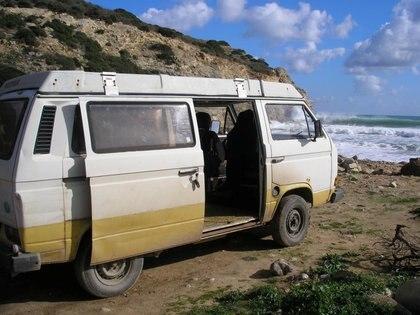 Una van utilizada por Christian Brueckner podría estar relacionada con la desaparición de la niña británica Madeleine McCann hace 13 años. El sospechoso estaba en Praia da Luz al momento del secuestro de Maddie y tiene antecedentes (Reuters)