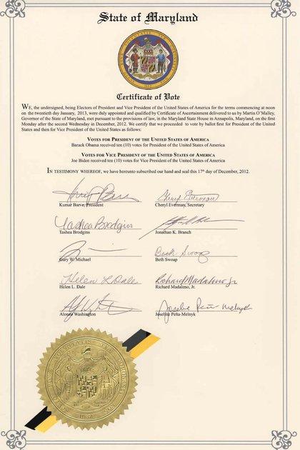 Una copia del acta firmada por los miembros del Colegio Electoral de Maryland en las elecciones de 2012