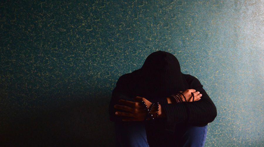 Se sabe que el estado de ánimo negativo y la depresión aumentan el riesgo cardiovascular y pueden generar alteraciones en los valores de PA (Europa Press)