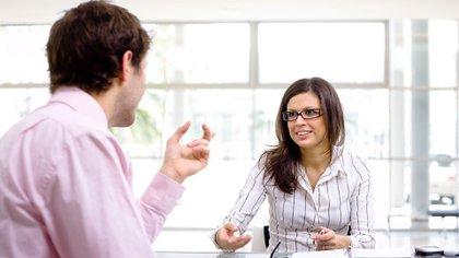 Escuchar antes de dar la opinión personal es crucial (Getty)
