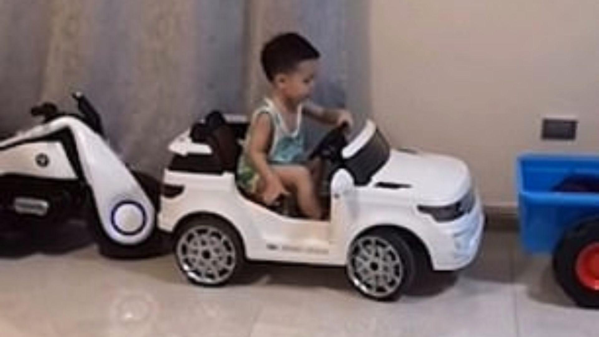 Fue la sensación debido a la precisión con la que acomodó el auto eléctrico (Foto: Captura de pantalla de YouTube)
