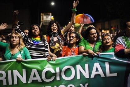 Al centro, Marlene Wayar, amiga de las activistas Diana Sacayán y Lohana Berkins (María Paula Avila)