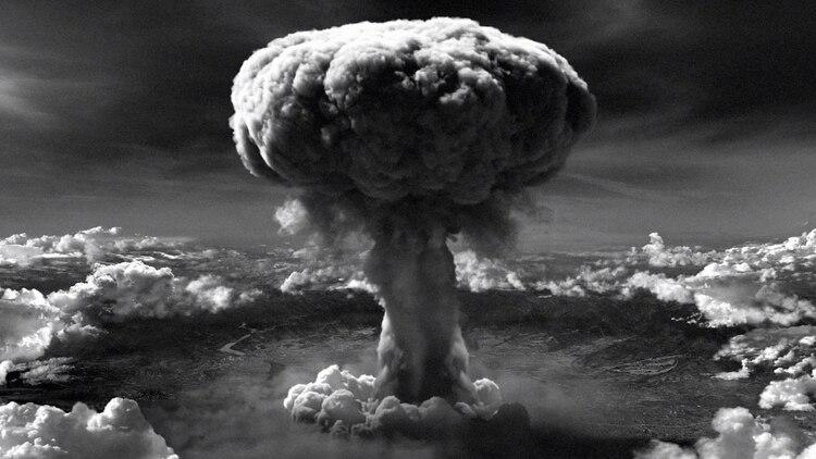 """En los primeros nueves segundos posteriores al impacto de """"Little boy"""" sobre Hiroshima murieron al menos cien mil personas"""