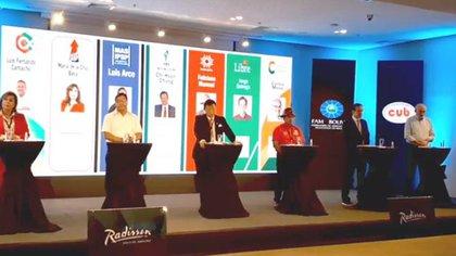 Por primera vez en 18 años los candidatos en Bolivia se reunieron en un debate de cara a las elecciones presidenciales - Infobae