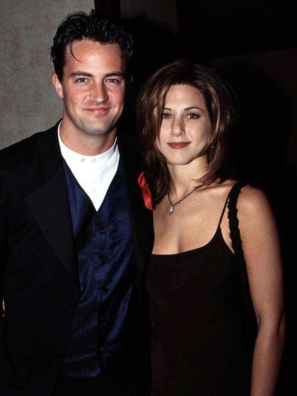 Matthew Perry y Jennifer Aniston (Shutterstock)