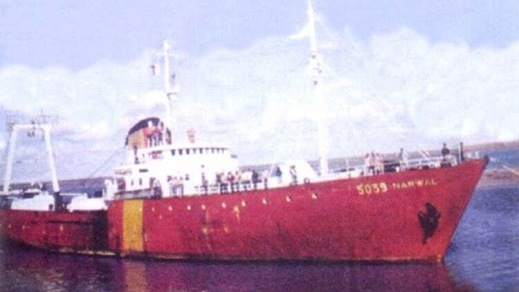 HÉROES DE MALVINAS Hundimiento-pesquero-Narwal-y-buque-mercante-Isla-de-los-Estados-17