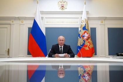 El presidente ruso Vladimir Putin participa en una videoconferencia en Moscú el 30 de junio de 2020. (Archivo/ Sputnik/Alexei Babushkin/Kremlin vía REUTERS)