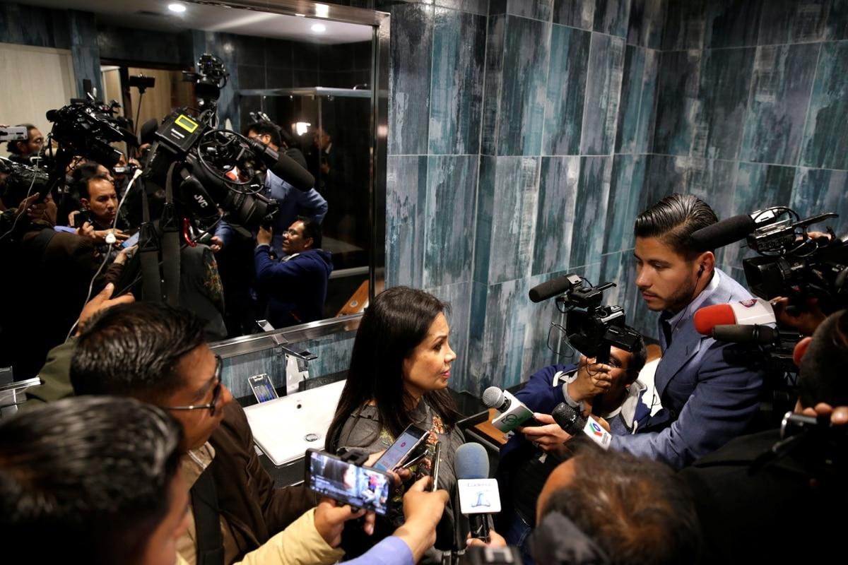 """Bolivia: la nueva ministra de Comunicación amenazó a periodistas locales y extranjeros por cometer presunta """"sedición"""""""