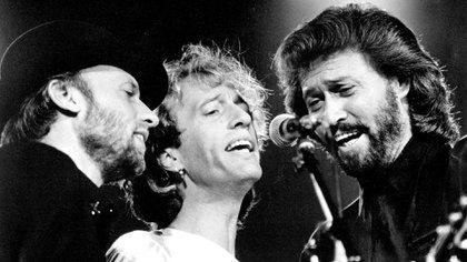 Pese a que en algunos momentos fueron subestimados, los Bee Gees integran el listado de los artistas más exitosos de todos los tiempos (Shutterstock)
