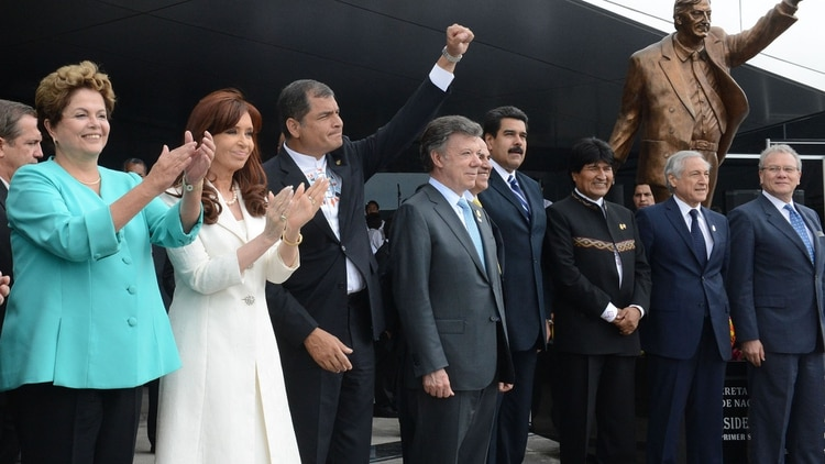 Rafael Correa inauguró la estatua de Néstor Kirchner en Ecuador (Presidencia)