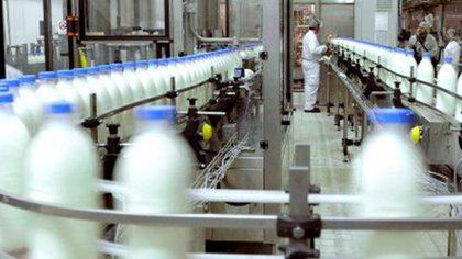 La industria láctea sigue en crisis y la situación ya afecta al sector primario