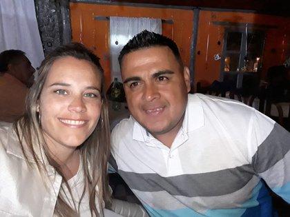 El Toto y Vanesa, su pareja y presidenta del club