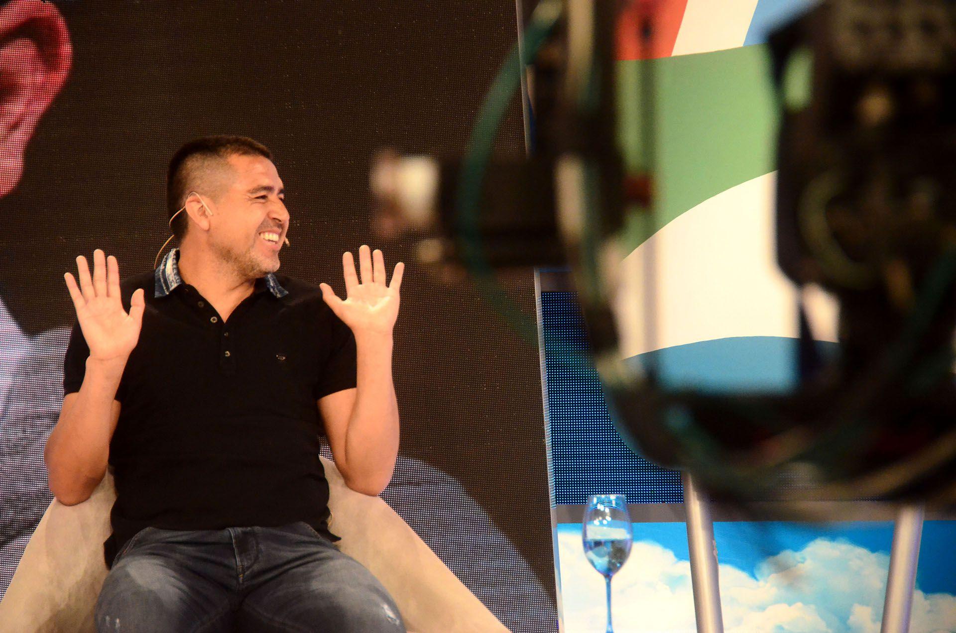 Riquelme ya tiene a su nuevo entrenador pero recién revelará quién es el lunes si gana las elecciones Ameal (Matías Arbotto)
