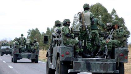 Soldados que acudieron a Cieneguillas en apoyo a los cuerpos locales (Foto: Oscar Baez/AP)
