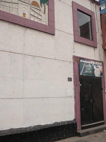 El Bar Azteca hoy es una farmacia (Fotos: Mau HL / Infobae)