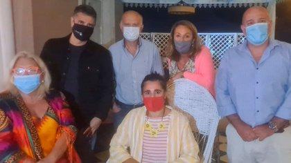 Los intendentes Jorge Macri y Néstor Grindetti visitaron a Carrió en Exaltación de la Cruz