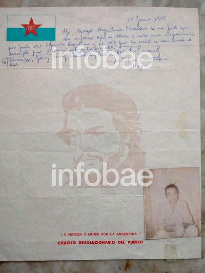 Una de sus últimas cartas, con la foto que lo mostraba flaco y débil