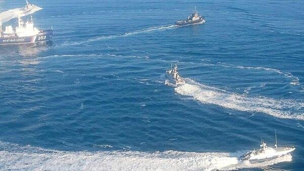 Las maniobras de los buques rusos y ucranianos en el Mar Negro