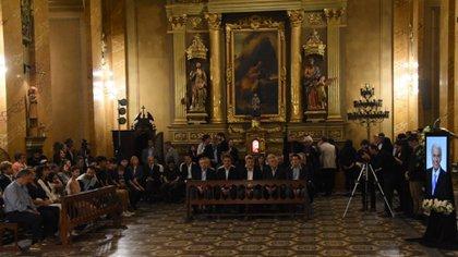Los dirigentes del peronismo que asistieron a la misa en homenaje a José Manuel De la Sota