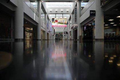 El aeropuerto de Miami cumple con todos los protocolos de higiene y seguridad para recibir a los turistas (REUTERS/Carlos Barria)