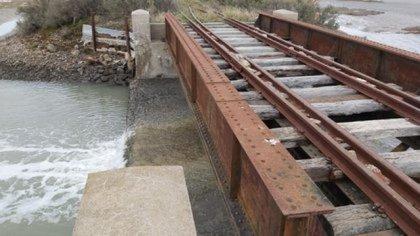 El puente ferroviario, uno de los focos de la búsqueda.