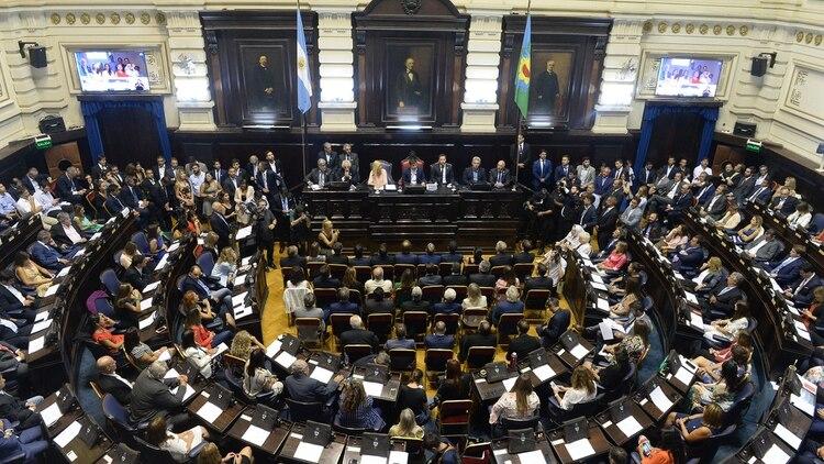 El mandatario provincial lanzó duras críticas contra la gestión de María Eugenia Vidal (Aglaplata)