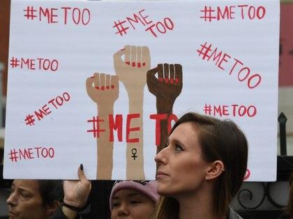 """El movimiento Me Too afianzó las denuncias de abusos sexuales de las mujeres en el mundo, pero el presidente chileno bromeó con el """"no es no"""" varias veces (AFP)"""