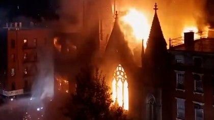 La histórica iglesia quedó completamente destruida