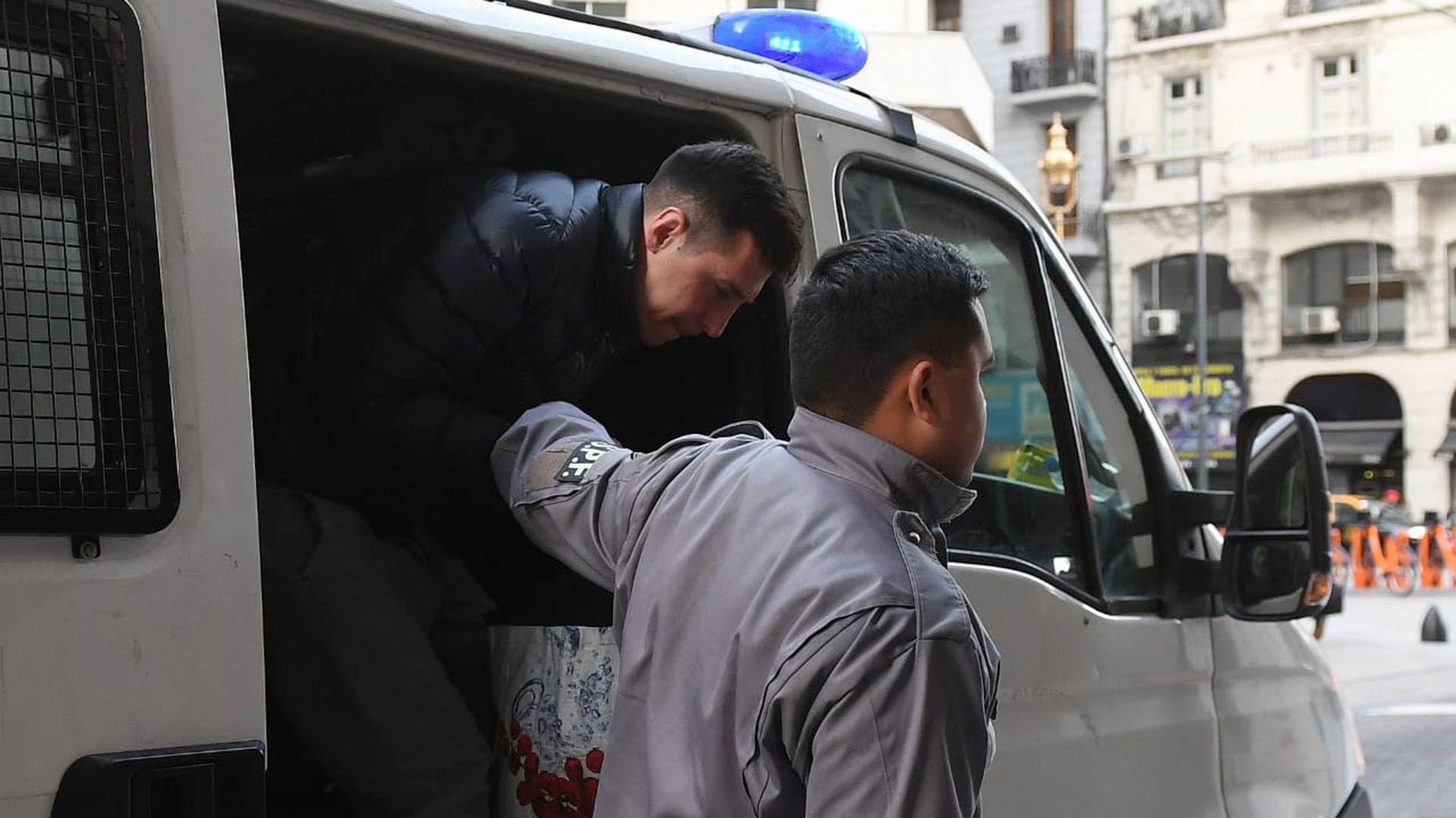 Fabbro, al llegar esta mañana al juicio en su contra (Maximiliano Luna)