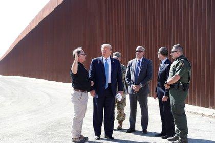 El presidente de EEUU hizo un recorrido por lo avances del muro fronterizo (Foto: Reuters)