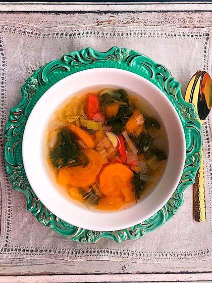 La sopa de verduras, una de las favoritas de la conductora de TV (@gimenezsuok)