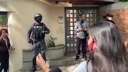 En la semana se registraron protestas frente a la embajada de Trinidad y Tobago en Caracas, reclamando que los niños no fueran expulsados