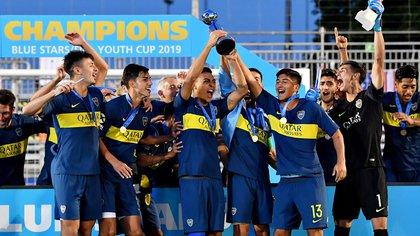 La celebración azul y oro en la Blue Stars FIFA Youth Cup 2019