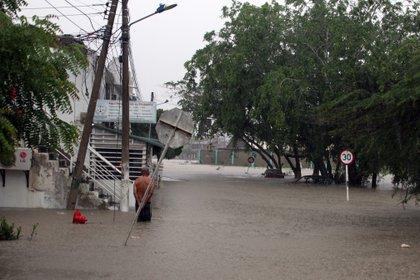 Fotografía cedida por el diario El Universal de inundaciones este sábado en Cartagena (Colombia). EFE/ Óscar Díaz/