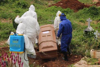 En las últimas semanas aumentaron las cifras de contagios en Venezuela (EFE/ Johnny Parra)