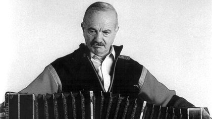 Ástor Piazzolla cumpliría este lunes 98 años (NA)