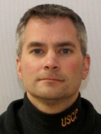 Brian Sicknick murió a los 40 años en el Capitolio de EEUU tras ser atacado por una turba que ingresó a la fuerza al edificio (REUTERS)