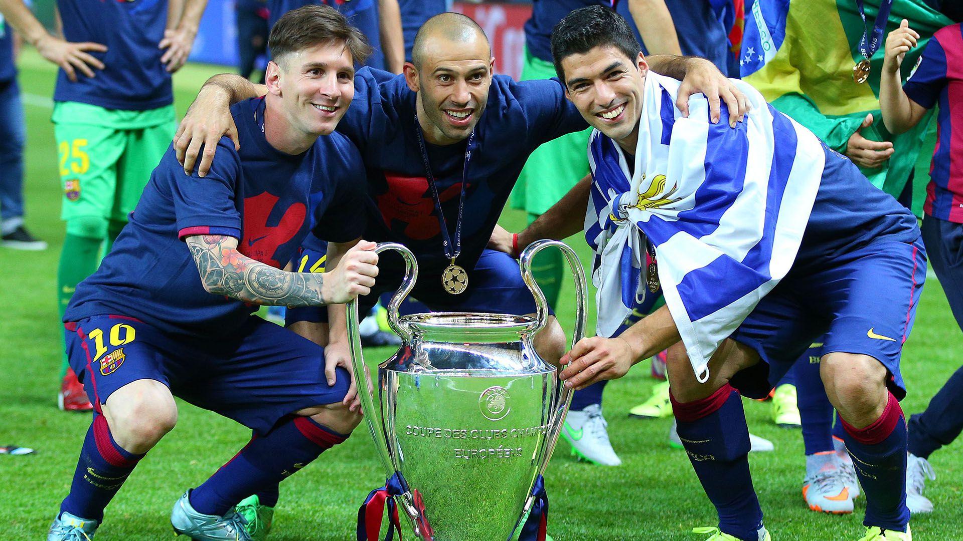 Javier Mascherano levantando la champions con el Barcelona