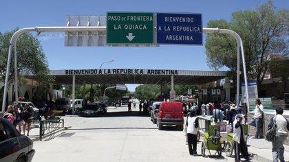 El cierre de fronteras sólo sería para casos de personas no para mercaderías