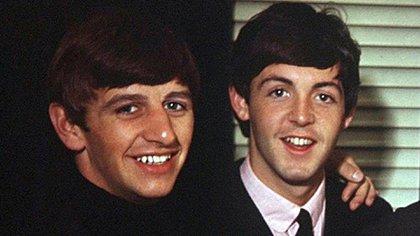 Mandatory Credit: Photo by David Magnus/Shutterstock (7684d) The Beatles - Ringo Starr and Paul McCartney Various - 1963