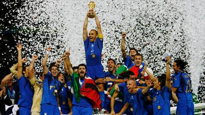 Cannavaro informó que junto con sus ex compañeros abrirán un fondo de donaciones para ayudar a los hospitales italianos   (Foto Getty Images)
