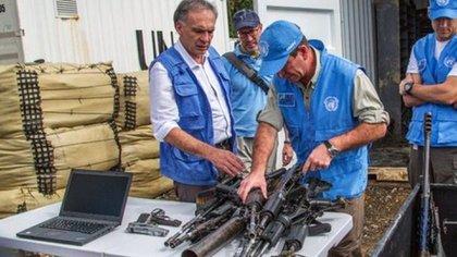 Emisarios de la ONU recibieron las armas de las FARC