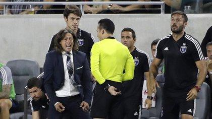 El entrenador argentino rechazó volver a dirigir fútbol de su país por las críticas exacerbadas a su trabajo (Foto: Marcio Jose Sanchez/ AP)